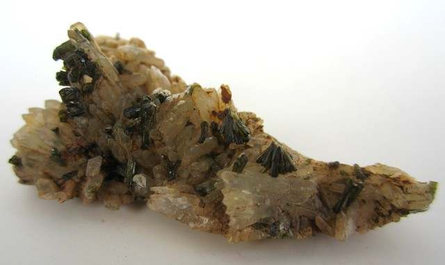 8.62g SMALL EPIDOTE CRYSTALS MINERAL SPECIMEN FROM MOROCCO