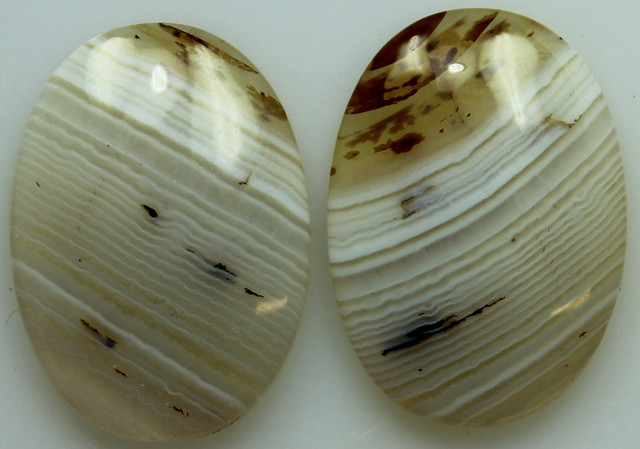28.85 CTS WYOMING AGATE PAIR OF POLISHED STONES