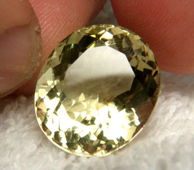 20.02 Ct. IF/VVS1 100% Natural Yellow Quartz - Gorgeous Gem