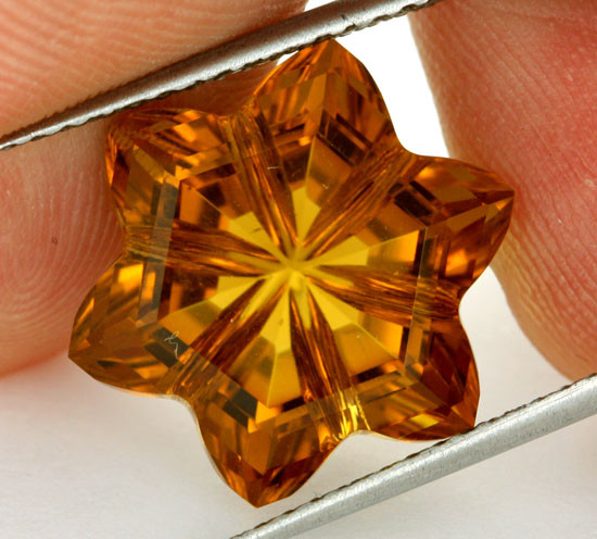 11.56 CTS VVS CITRINE FLOWER - CUT BY MASTER CARVER [CIT18]