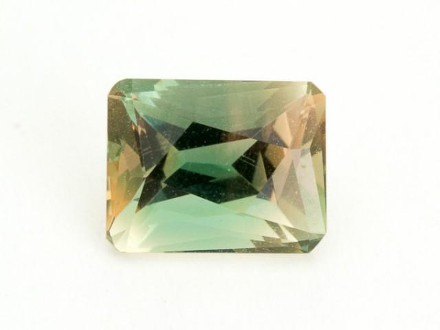2.3ct Oregon Sunstone, Green/Champagne Rectangle (S1644)
