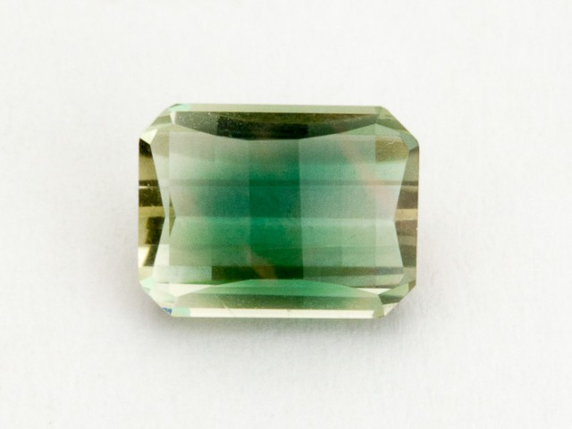 1.8ct Green Rectangle Sunstone (S1646)