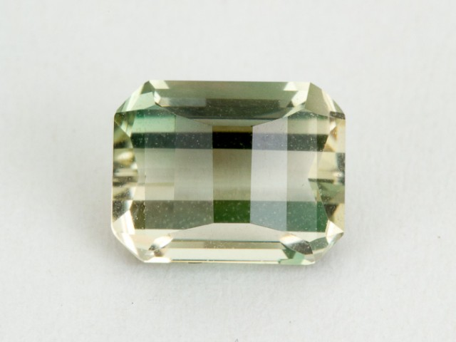 2ct Oregon Sunstone, Champagne/Green Rectangle S1614