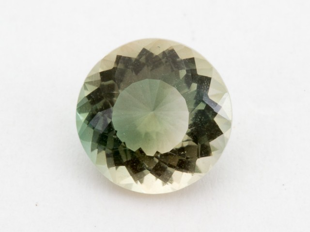 2.3ct Oregon Sunstone, Clear/Green Round S1643