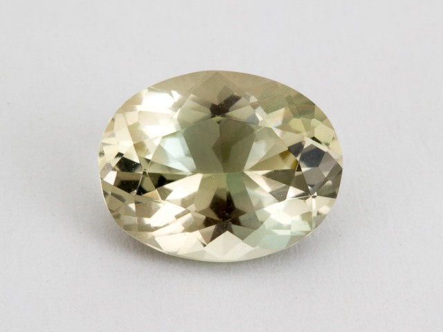 2.4ct Oregon Sunstone, Champagne/Green Oval (S1648)