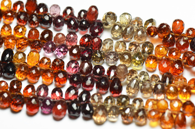 Half a line of TUNDURU GARNET briolettes 60 briolettes apprx