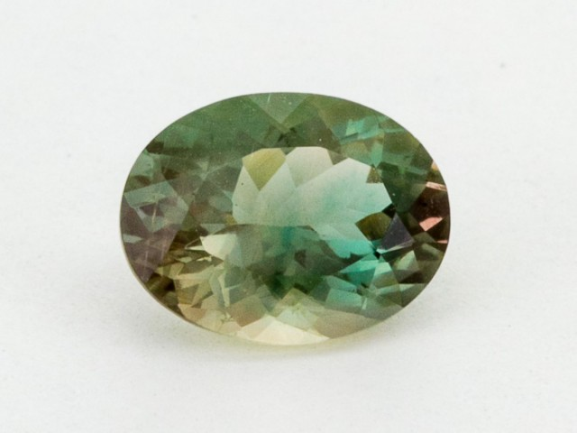 2ct Oregon Sunstone, Champagne/Green Oval (S1307)