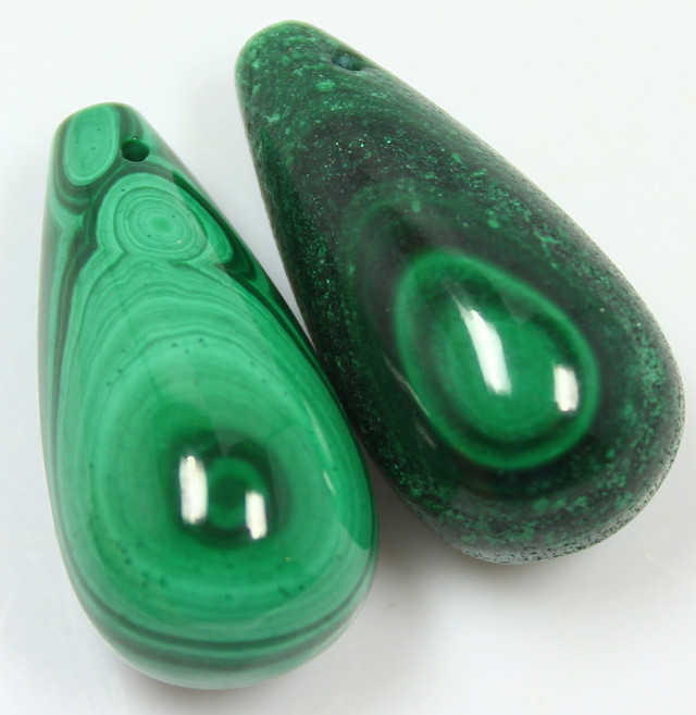 130.25 PAIR OF MALACHITE BEADS DRILLED