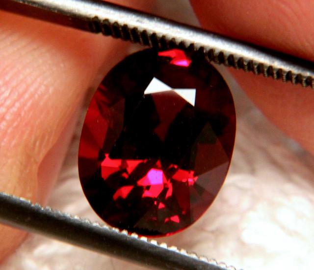 3.51 Carat Natural VVS1 Elegant African Rhodolite Garnet