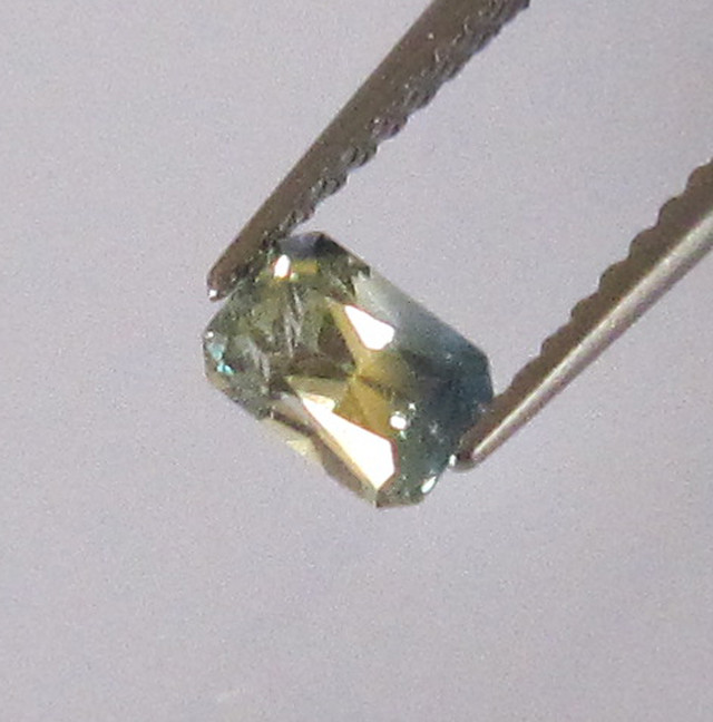 Natural Australian Radiant Yellow Parti Sapphire 0.38cts