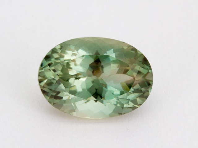 3.7ct Oregon Sunstone, Green/Champagne Oval (S1434)