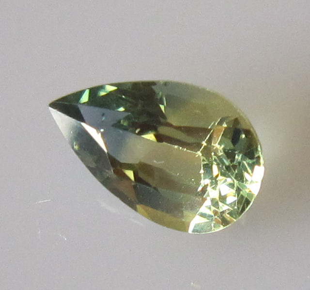 0.99cts AUSTRALIAN YELLOW PARTI SAPPHIRE PEAR SHAPE