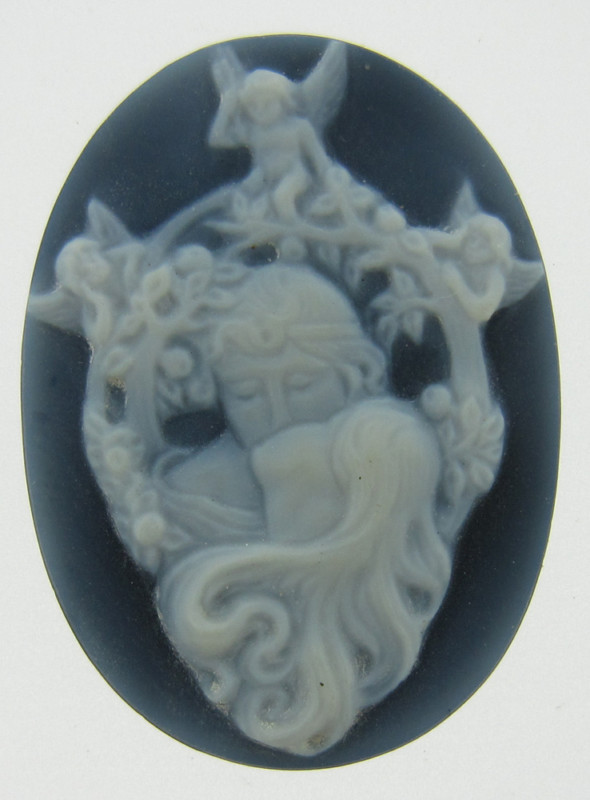 ART NOUVEAU HAND CARVED NATURAL BLACK & WHITE AGATE CAMEO