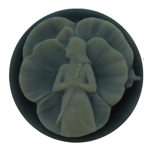 ART NOUVEAU HAND CARVED BLACK & WHITE NATURAL AGATE CAMEO