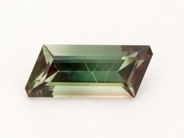 8.3ct Green Rhombus Sunstone (S1397)