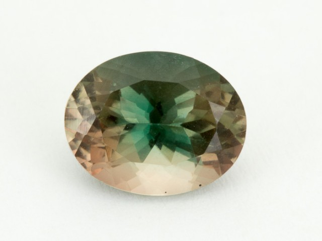 2.1ct Green / Red Oval Sunstone (S1975)