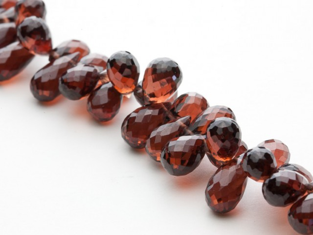 136ct Red Garnet Pear Briolette Bead Strands (B18)