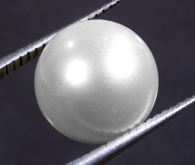 10 - 11 MM WHITE PEARL AAA GRADE ROUND-HIGH LUSTER [PF2354]