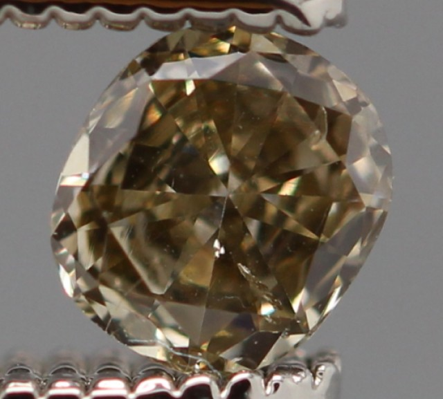 SPARKLING LIGHT GOLDEN CHAMPAGNE NATURAL DIAMOND 0.20Cts