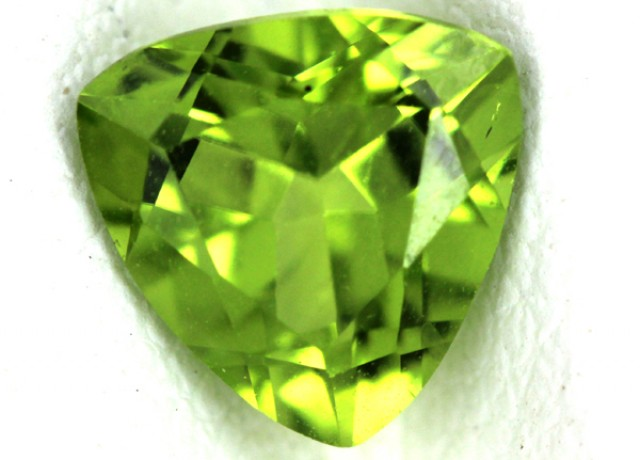 PERIDOT FACETED STONE  1.15  CTS    SG -1671