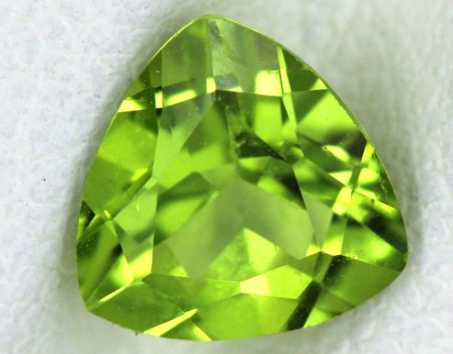 PERIDOT FACETED STONE  1.35  CTS    SG -1673