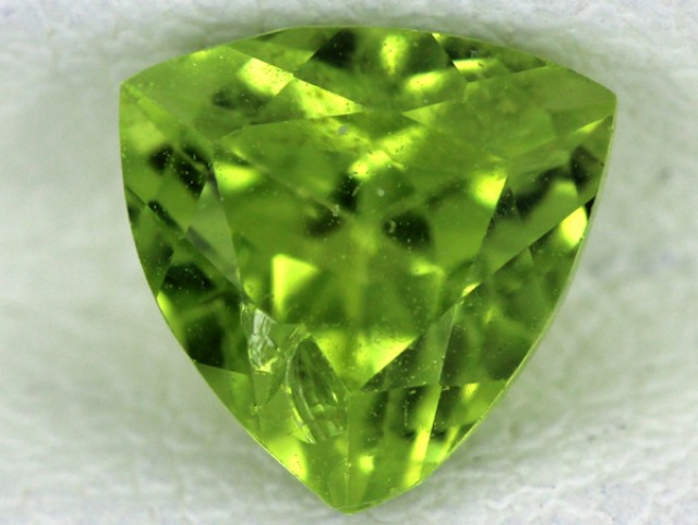 PERIDOT FACETED STONE  1.40  CTS    SG -1697