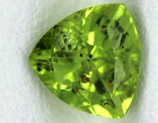 PERIDOT FACETED STONE  1.40  CTS    SG -1700