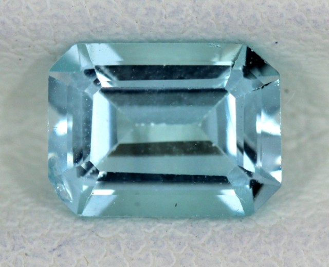 BLUE TOPAZ NATURAL FACETED 1.80 CTS SG-1705