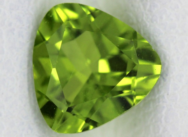 PERIDOT FACETED STONE  1.70  CTS    SG -1711