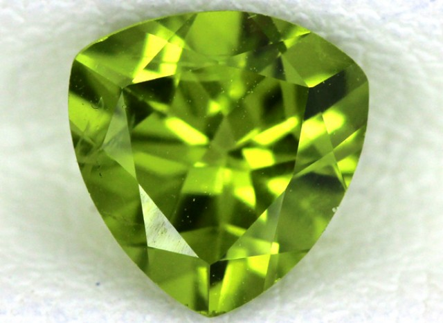 PERIDOT FACETED STONE  1.25  CTS    SG -1715