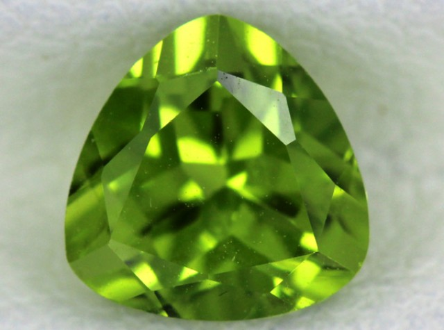 PERIDOT FACETED STONE  1.80  CTS    SG -1718