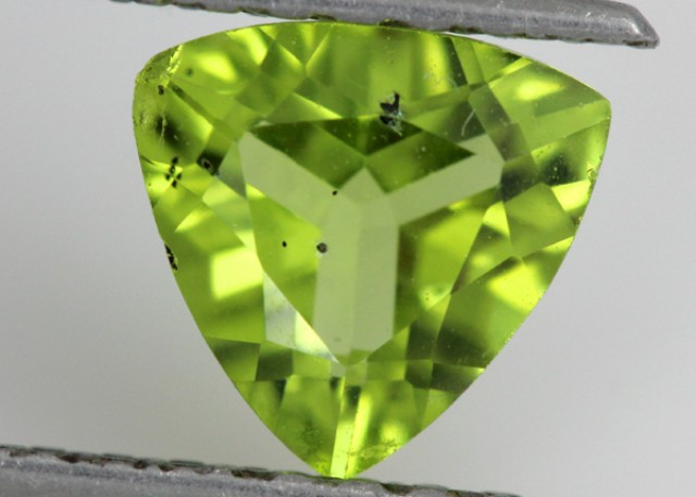 PERIDOT FACETED STONE  1.15  CTS    SG -1732