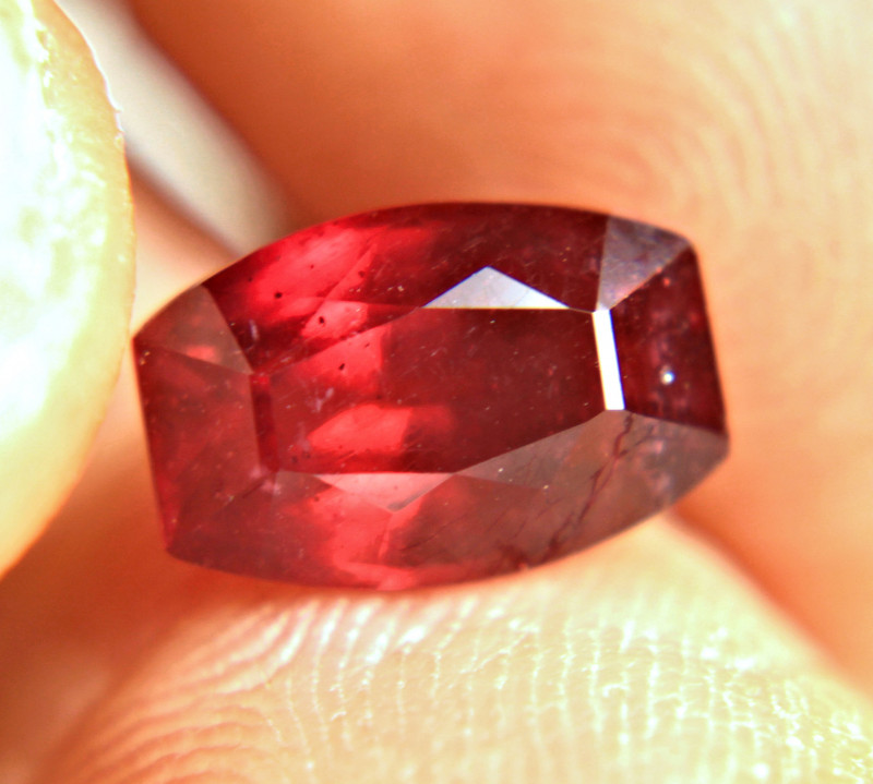 4.29 Carat Fiery VS Pigeon Blood Ruby - Superb