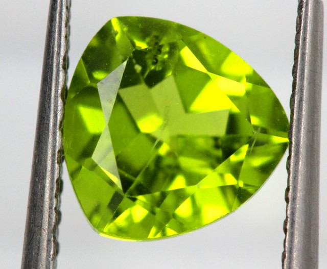 chrysolite stone faceted