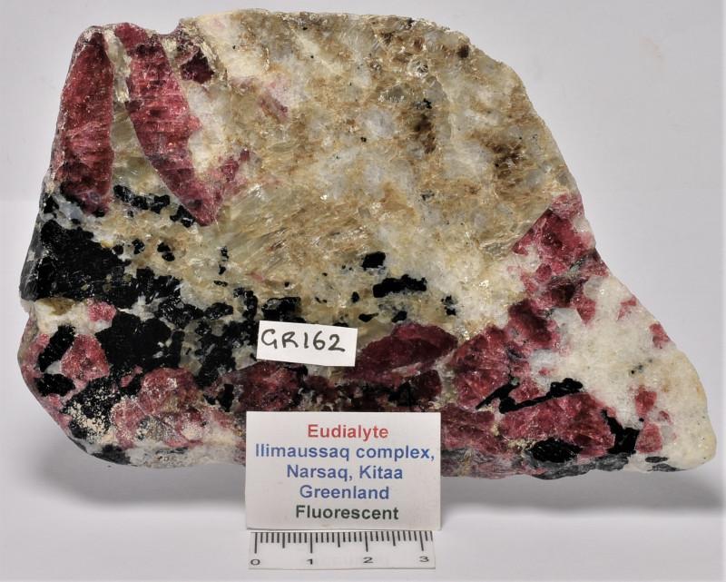 Eudialyte Slice, IIimaussaq complex, Greenland (GR162)