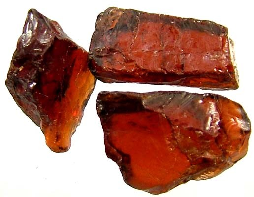 GARNET ROUGH NATURAL (PARCEL)  10.80 CTS FN 1823  (LO-GR)