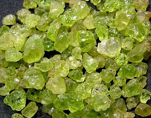PERIDOT ROUGH (PARCEL) 75 CTS FN 2066  (LO-GR)