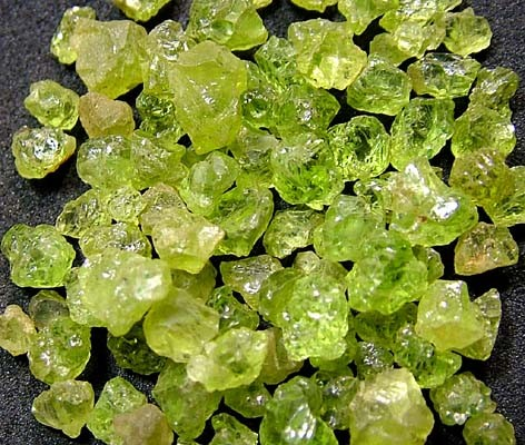 PERIDOT ROUGH (PARCEL)  50 CTS FN 2067  (LO-GR)