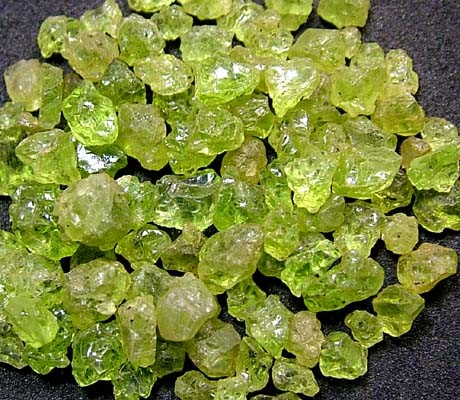 PERIDOT ROUGH (PARCEL)  50 CTS FN 2097  (LO-GR)