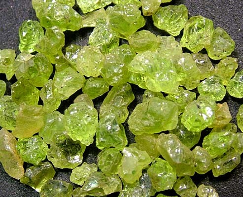 PERIDOT ROUGH (PARCEL) 50 CTS FN 2105  (LO-GR)