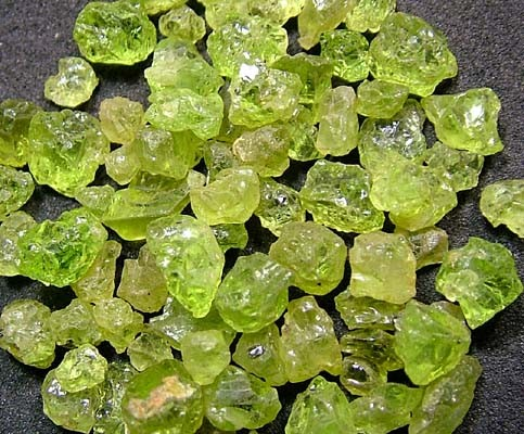 PERIDOT ROUGH (PARCEL) 50 CTS FN 2112  (LO-GR)