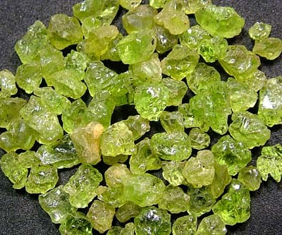PERIDOT ROUGH (PARCEL) 50 CTS FN 2115  (LO-GR)