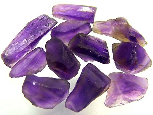 25 CTS AMETHYST NATURAL ROUGH (PARCEL)  FN 2286  (LO-GR)