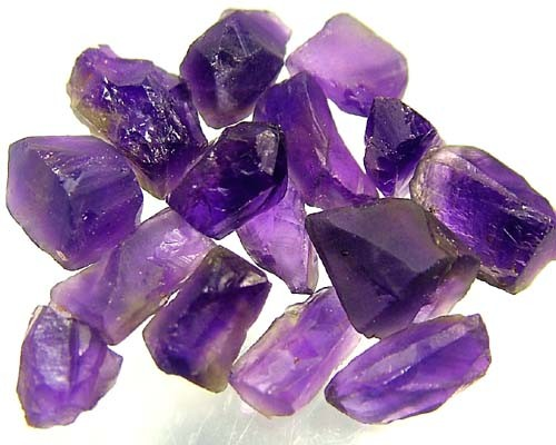 25 CTS  AMETHYST NATURAL ROUGH (PARCEL) FN 2289  (LO-GR)