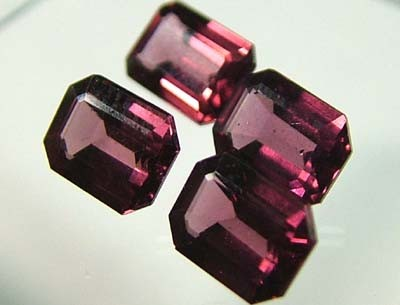 VS  RHODOLITE GARNET  4 PIECES 4.8CTS [S16 72]