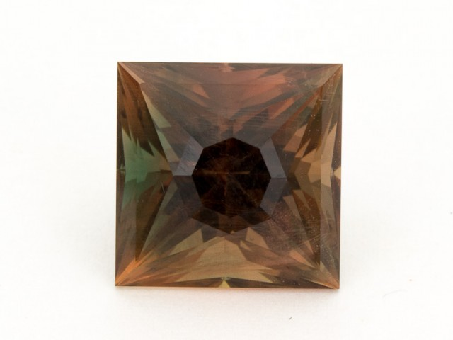 SALE WAS $3181 ~ 9.64ct Oregon Sunstone Bi-Color Rootbeer Princess (S341)