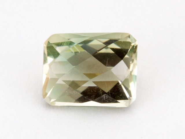 2.6ct Oregon Sunstone, Green/Champagne Rectangle (S1638)