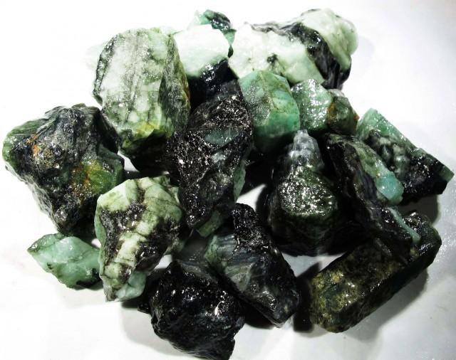100 Grams Parcel  Brazil Emerald Rough RB21