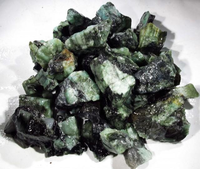 150 Grams Parcel  Brazil Emerald Rough RB32