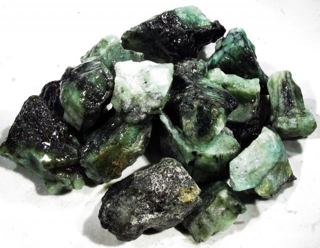 100 Grams Parcel  Brazil Emerald Rough RB34